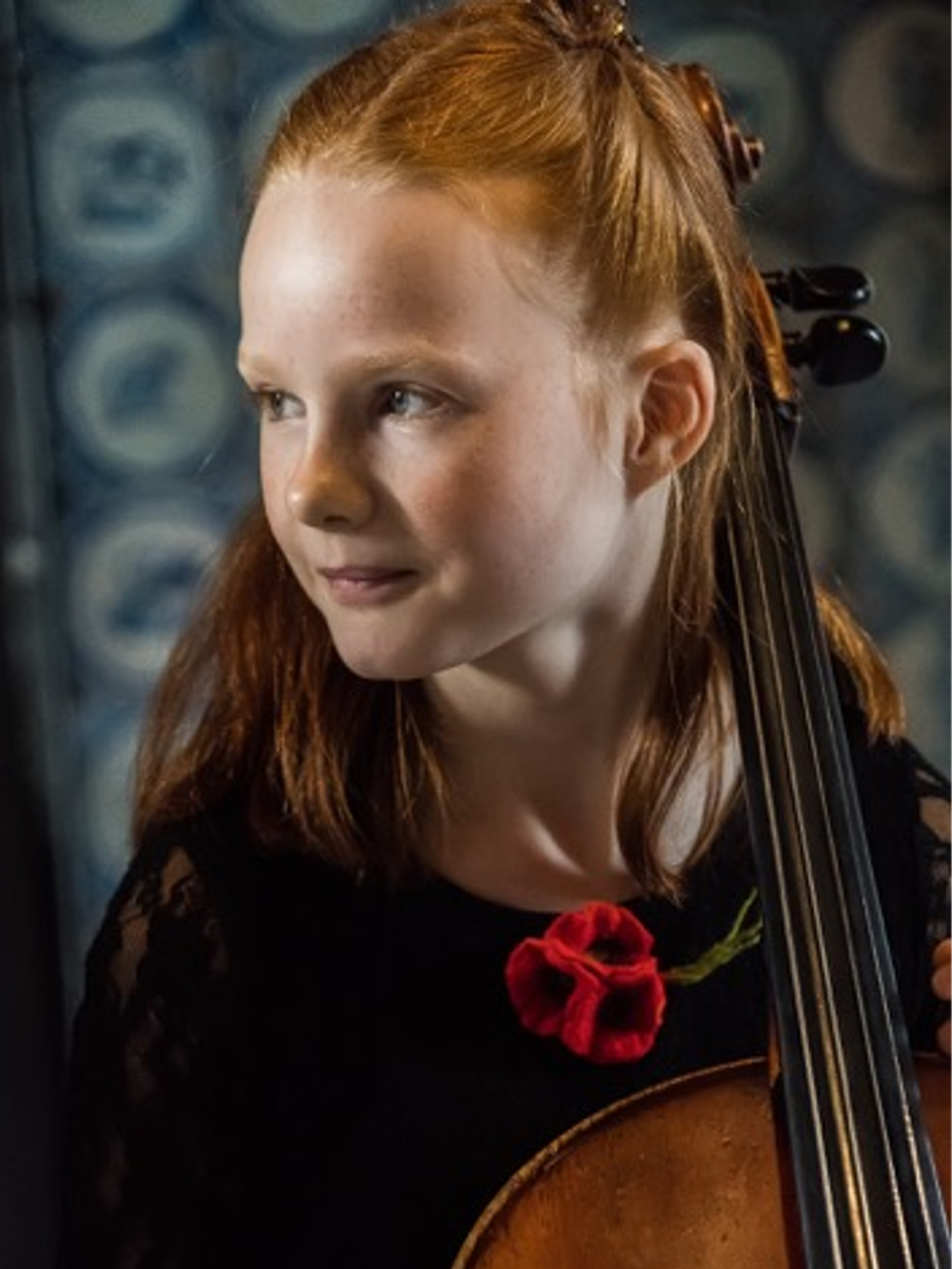 Broche handgevilt rood bloemboeketje Charlotte Molenaar Art.toWear