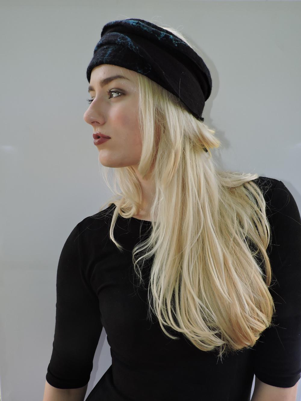 Handgevilte hoofdband van merinowol met zijdevezels Charlotte Molenaar Art.toWear