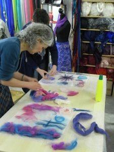 Workshop sjaal maken vilt op chiffonzijde Charlotte Molenaar Art.toWear