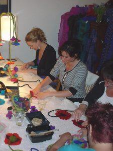 Workshop vilt maken bloemenkoorden Charlotte Molenaar Art.toWear