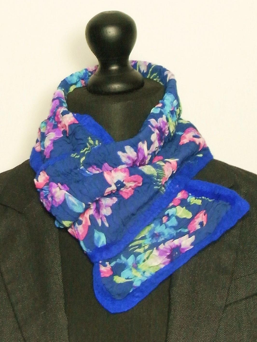 Korte nunovilt sjaal met lus Charlotte Molenaar Art.toWear